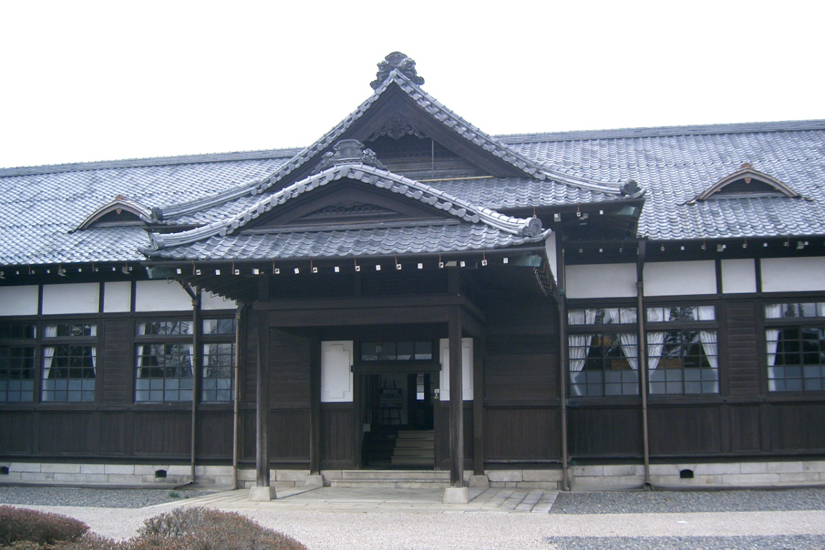 松本市歴史の里内の旧長野地方裁判所松本支部庁舎
