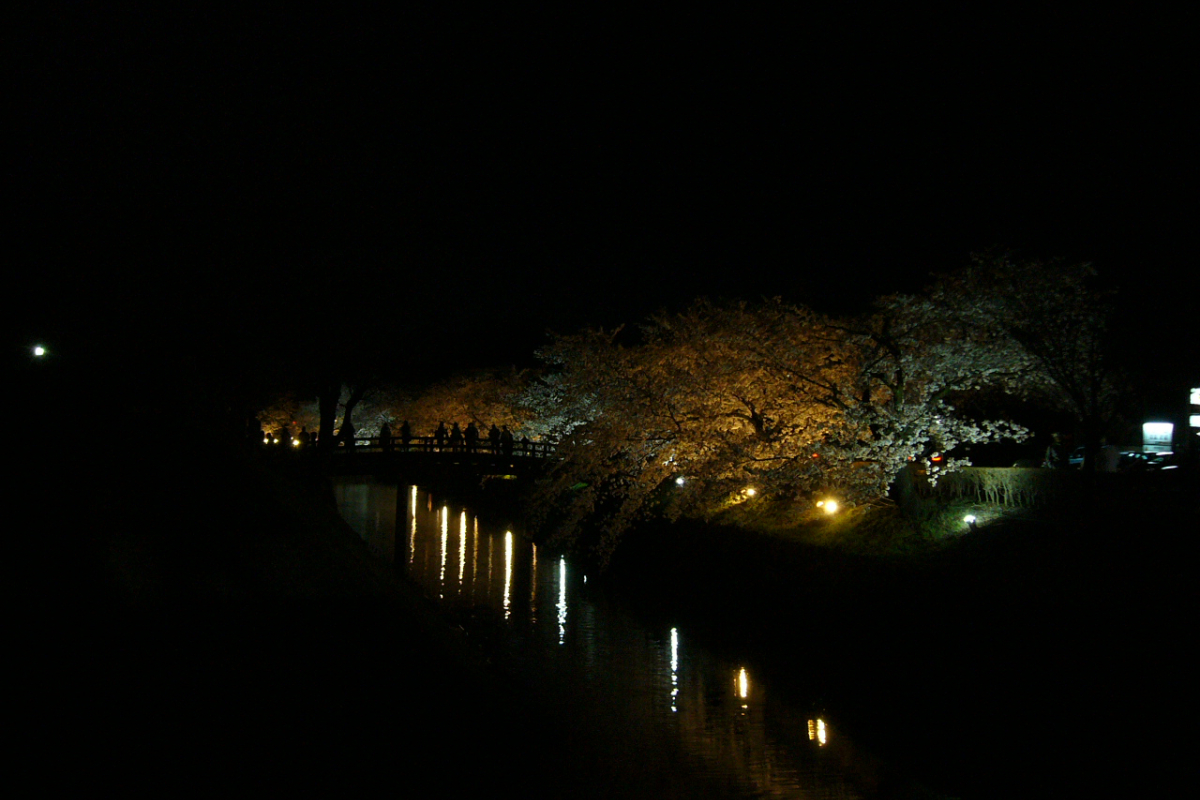 松本城、光の回廊