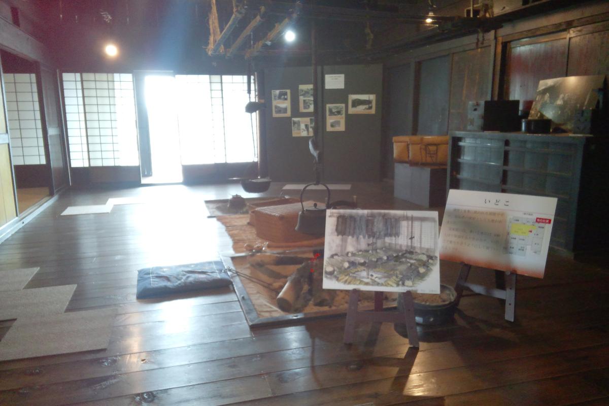 松本市歴史の里内の旧昭和興業製糸場と工女宿宝来屋